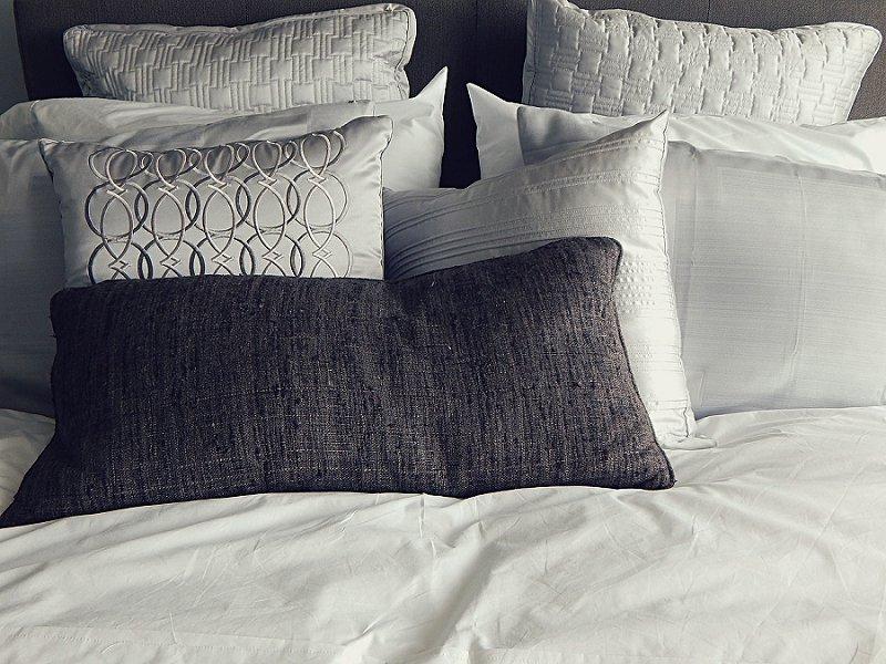 decluttering - get rid of pillows